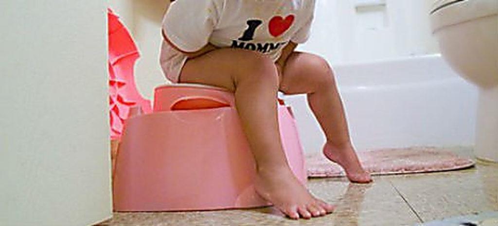 Почему ребенок боится какать